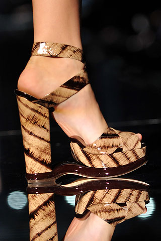 Cant have Dolce without a little tribal motif