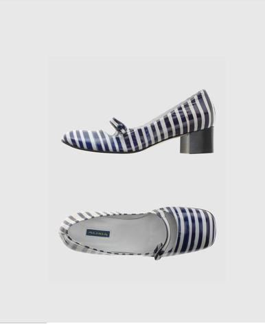 Alisia striped shoe