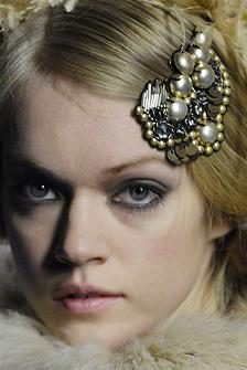Lacroix Fall 2007 hair brooch