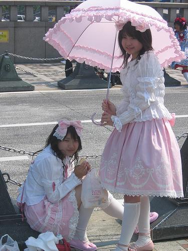 """""""amaloli""""-style dressing outside Harajuku Station, Tokyo"""